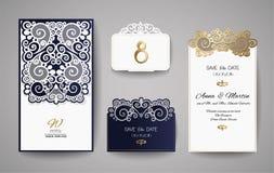 Tarjeta de la invitación o de felicitación de la boda con el ornamento floral del oro Sobre de la invitación de la boda para el c Imagenes de archivo