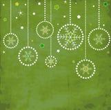 Tarjeta de la vendimia con las bolas de la Navidad fotografía de archivo