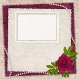 Tarjeta de la vendimia para el día de fiesta con la flor Imagen de archivo libre de regalías