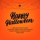 Tarjeta de letras escrita mano del feliz Halloween con la araña y la telaraña Imagenes de archivo