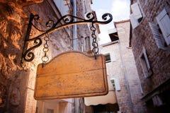 Tarjeta de madera de la vieja entrada rústica Fotografía de archivo
