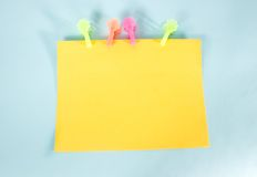 Tarjeta de mensaje amarilla Foto de archivo