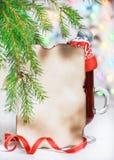 Tarjeta de Navidad con el vino reflexionado sobre Fotografía de archivo