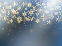 Tarjeta de Navidad con la escama frustrada de la nieve del oro Decoración de oro en fondo azul claro del invierno EPS 10 ilustración del vector