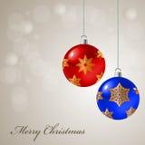 Tarjeta de Navidad con las bolas coloreadas Imagenes de archivo