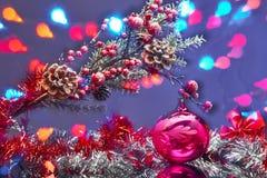 Tarjeta de Navidad con las decoraciones Imagen de archivo libre de regalías
