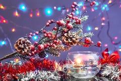 Tarjeta de Navidad con las decoraciones Imagenes de archivo