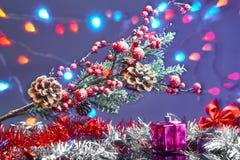 Tarjeta de Navidad con las decoraciones Imagen de archivo