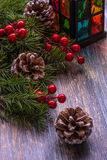 Tarjeta de Navidad con las decoraciones del árbol Fotos de archivo