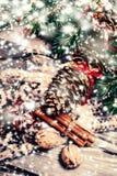 Tarjeta de Navidad con las decoraciones festivas Backd del día de fiesta del Año Nuevo Fotografía de archivo