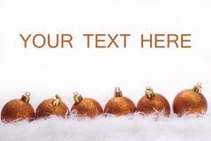 Tarjeta de Navidad con las esferas Fotos de archivo libres de regalías