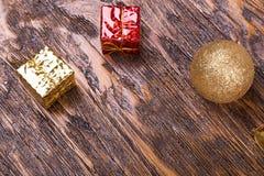 Tarjeta de Navidad con los juguetes Foto de archivo libre de regalías