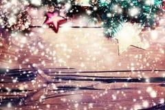 Tarjeta de Navidad del invierno con la decoración festiva - día de fiesta del Año Nuevo Foto de archivo libre de regalías