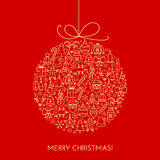 Tarjeta de Navidad del saludo con la bola hecha con los iconos del esquema Imagenes de archivo
