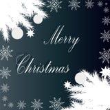 Tarjeta de Navidad Fondo del invierno con las ramas spruce con la bola Fotos de archivo libres de regalías