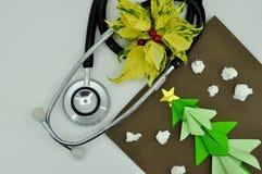 Tarjeta de Navidad médica Fotos de archivo libres de regalías