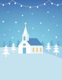 Tarjeta de Navidad o cartel de las colinas de Christian Church Building y Nevado Diseño plano del vector Imagenes de archivo