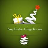 Tarjeta de Navidad simple con el regalo, el árbol y la chuchería stock de ilustración