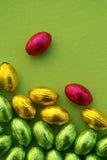 Tarjeta de pascua con los huevos de Pascua Fotografía de archivo