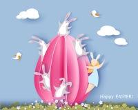 Tarjeta de pascua feliz con el conejito, la muchacha y el huevo Imágenes de archivo libres de regalías