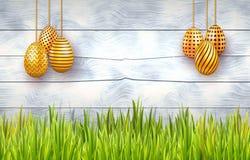 Tarjeta de pascua feliz con los huevos de oro adornados en el fondo de madera blanco con la frontera de la hierba ilustración del vector