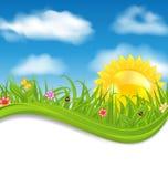 Tarjeta de verano con el cielo, nube, sol, hierba, flor, mariposa, señora Foto de archivo libre de regalías