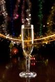 Tarjeta del Año Nuevo con champán Fotografía de archivo libre de regalías