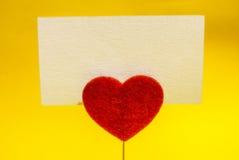 Tarjeta del clip del corazón Foto de archivo libre de regalías