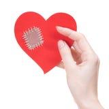 Tarjeta del corazón quebrado del día de tarjeta del día de San Valentín de la explotación agrícola de la muchacha Fotos de archivo libres de regalías