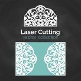 Tarjeta del corte del laser Plantilla para el corte del laser Ejemplo del recorte con la decoración abstracta Cortado con tintas  Fotografía de archivo