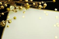 Tarjeta del día de fiesta con el espacio del oro y de la copia Fotos de archivo