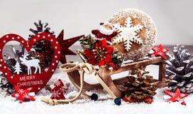 Tarjeta del día de fiesta en colores brillantes en el fondo blanco y x28; Año Nuevo, Chr Imágenes de archivo libres de regalías