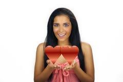 Tarjeta del día de San Valentín adolescente hermosa de Latina Fotografía de archivo libre de regalías