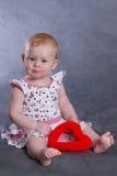 TARJETA DEL DÍA DE SAN VALENTÍN del bebé de ÐаÑÑÑ Foto de archivo