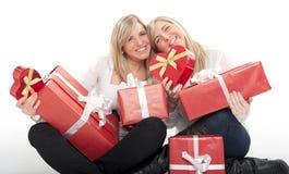 Tarjeta del día de San Valentín para las muchachas gemelas Fotos de archivo