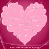Tarjeta del día de San Valentín rosada y roja   Foto de archivo