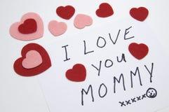 Tarjeta del día de tarjeta del día de San Valentín de un niño a una madre Fotografía de archivo