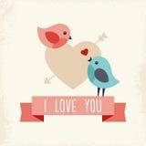 Tarjeta del día de tarjetas del día de San Valentín con dos pájaros del amor Fotos de archivo libres de regalías