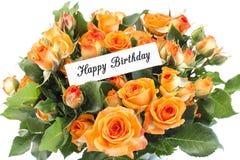 Tarjeta del feliz cumpleaños con el ramo de rosas anaranjadas Foto de archivo