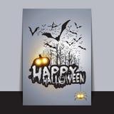 Tarjeta del feliz Halloween, aviador o plantilla de la cubierta - el vuelo golpea sobre Autumn Woods y las diversas criaturas fan Fotos de archivo