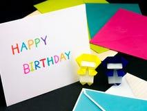 Tarjeta del mensaje para su familia y amigos; Feliz cumpleaños Imágenes de archivo libres de regalías