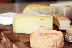 Tarjeta del queso foto de archivo