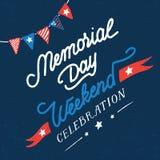Tarjeta del vintage de la celebración del fin de semana del Memorial Day fotos de archivo