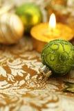 Tarjeta elegante del día de fiesta con verde y oro Foto de archivo