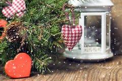 Tarjeta festiva del fondo y de felicitación adornada para la celebración de la Navidad y del Año Nuevo Imagenes de archivo