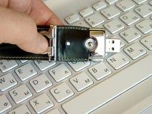 Tarjeta flash en el teclado Fotografía de archivo