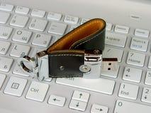 Tarjeta flash en el teclado Fotos de archivo