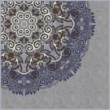 Tarjeta floral adornada con la plantilla ornamental del círculo Fotos de archivo libres de regalías