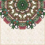 Tarjeta floral adornada con la plantilla ornamental del círculo Imagenes de archivo