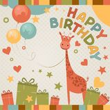 Tarjeta linda del feliz cumpleaños con la jirafa. Imágenes de archivo libres de regalías